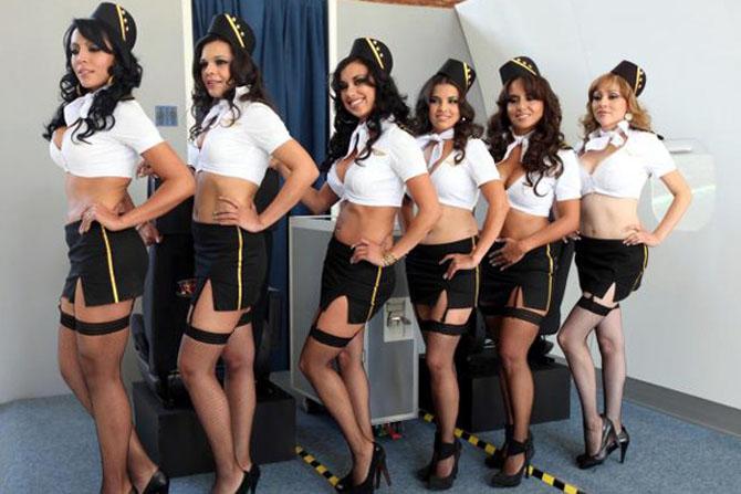 razigrane skesi stjuardese