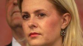 SEKS AFERA TRESE SRS: Skinula se Šešeljeva radikalka! (FOTO)