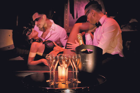 Maštate o grupnom seksu? Evo šta PODSVESNO zapravo želite