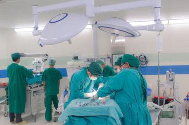 PRIČA KOJA VRAĆA OSMEH NA LICE: Da nije bilo prosjaka Franka, jedan hirurg iz Srbije nikada ne bi uspeo u Evropi
