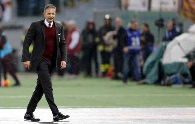 OTKAZ ZA MIHAJLOVIĆA! Čelnici Milana odlučili da otpuste srpskog trenera