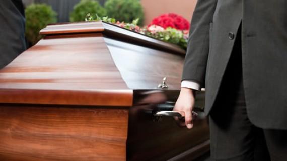 CRNOHUMORNA PRIČA: Ocu spremio sahranu, a našao ga živog u bolnici